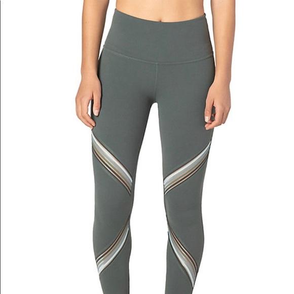 Beyond Yoga Pants - Beyond Yoga filament aloha green leggings